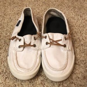 Sperry boat shoes.  Clean.  Comes with inserts.